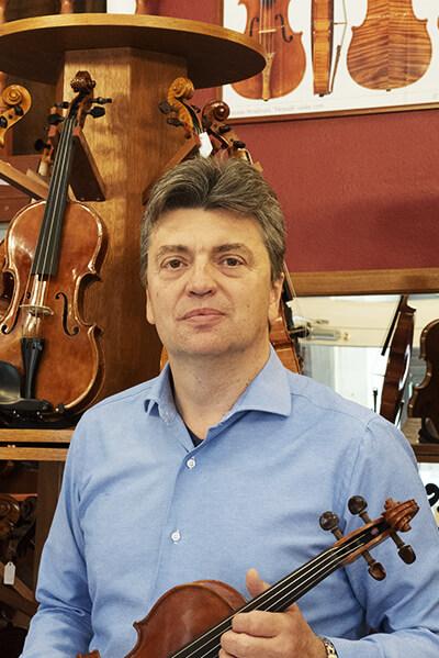 Délczeg Zoltán hegedűkészítő-szakértő - Darius Music