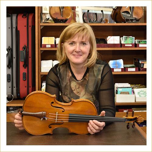 Dárius Music - Kiss Orsolya - hangszerész, hegedűkészítő