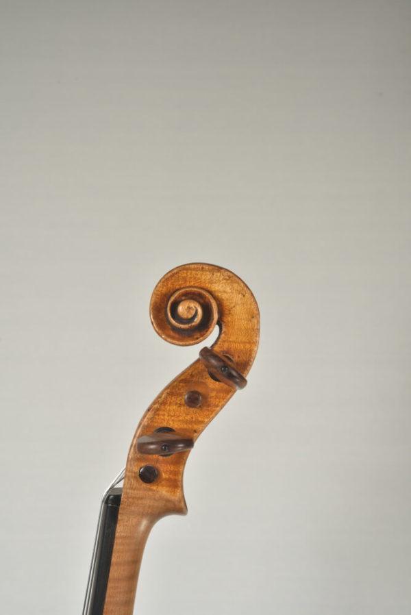 J. B. Schweitzer antik mesterhegedű csiga