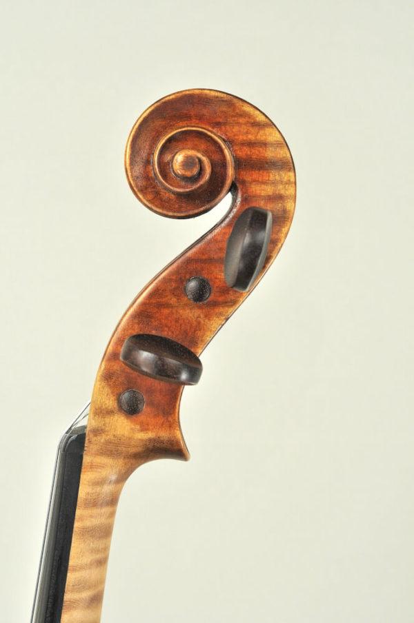 M. Heinicke antik mesterhegedű csiga 1950-ből